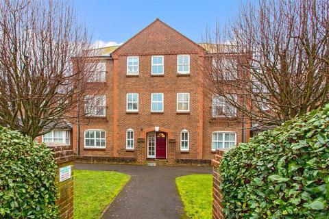 2 bedroom flat - High Street, Worthing