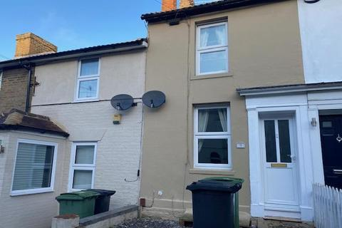 2 bedroom terraced house to rent - Perryfield Street, Maidstone, Kent