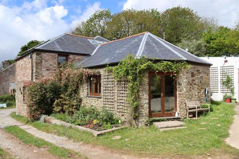 4 bedroom barn conversion for sale - Trewince Lane, Grampound Road