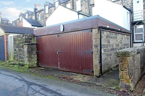 Garage to rent - Franklin Road, Harrogate