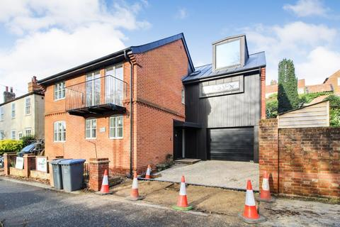 5 bedroom detached house - Seckford Street, Woodbridge
