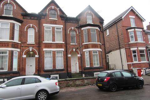 2 bedroom ground floor flat to rent - 43 Clarendon Road, Manchester. M16 8LB
