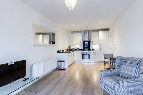 2 bedroom apartment to rent - Sovereign Way, Tonbridge, TN9