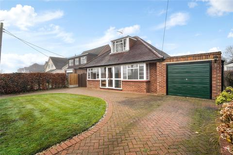 3 bedroom detached bungalow for sale - Mitchell Walk, Amersham, Buckinghamshire, HP6