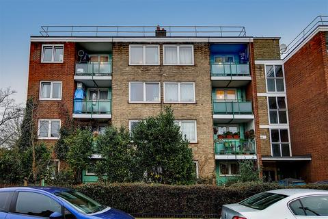 3 bedroom flat for sale - Plaintreee House, Etta Street, London, SE8 5NS