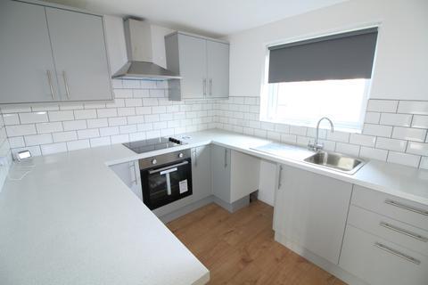 2 bedroom flat to rent - Tonnelier Road