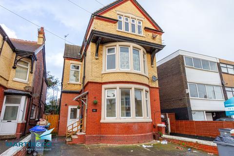 2 bedroom flat - 151 Reads Avenue, Blackpool