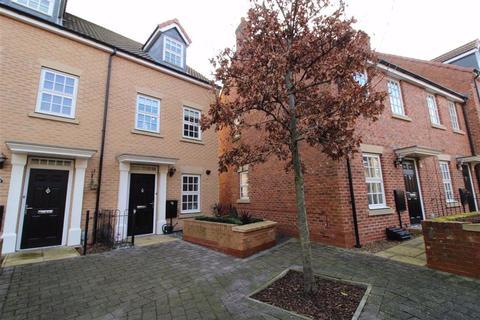 3 bedroom townhouse for sale - Dickinson Walk, Beverley, East Yorkshire