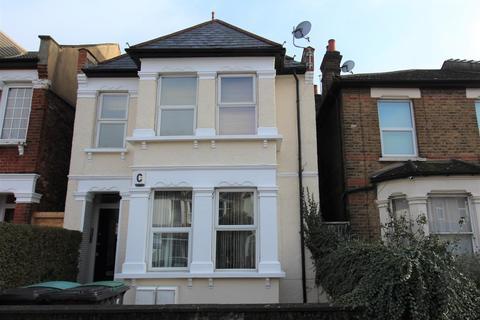3 bedroom flat - Marlborough Road, Bowes Park, N22