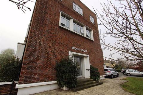 2 bedroom flat for sale - Ripple Road, Barking, Essex, IG11