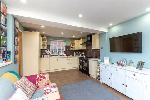 3 bedroom detached house for sale - Bittell Close, Moseley Green, Wolverhampton