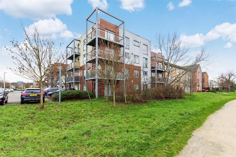 2 bedroom ground floor flat for sale - Marsden Gardens, Dartford, Kent, DA1 5GF