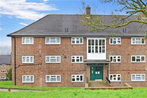 3 bedroom flat for sale - Kingsdown Avenue, South Croydon, Surrey