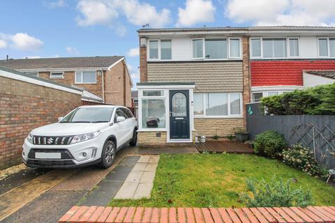 3 bedroom semi-detached house for sale - Osprey Drive, Blyth