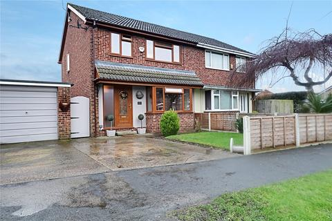 3 bedroom semi-detached house for sale - Park Road, Sproatley, Hull, HU11