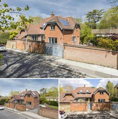 5 bedroom detached house for sale -