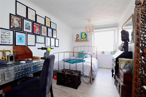 2 bedroom flat for sale - Whiterock Place, Southwick, Brighton, West Sussex