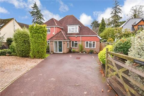 4 bedroom detached house for sale - The Crescent, Romsey