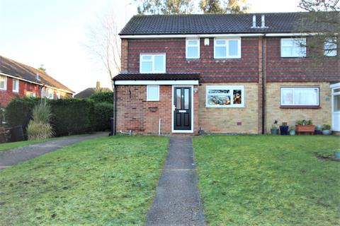 3 bedroom semi-detached house to rent - Strand Close, Meopham, Kent