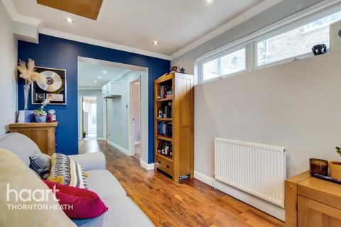 2 bedroom maisonette for sale - Moffat Road, Thornton Heath