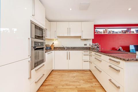 3 bedroom flat to rent - Chrisp Street, Chrisp Street, London E14