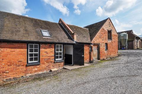 Property to rent - Edwardian Kitchen, Wast Hills Farm, Wast Hills Lane, Kings Norton, B38