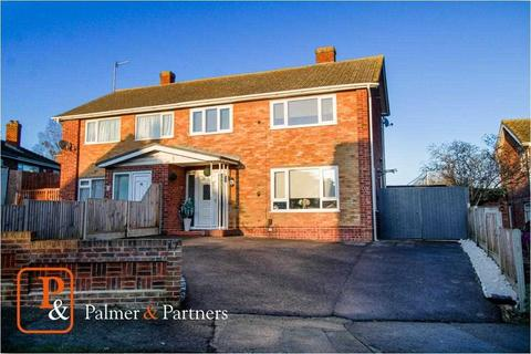 3 bedroom semi-detached house for sale - Booth Avenue, Colchester, CO4
