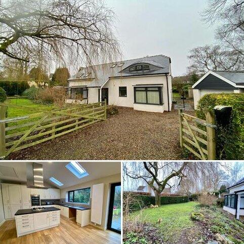 3 bedroom detached bungalow for sale - St Johns Avenue, Thorner, LS14