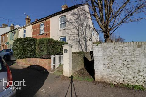 2 bedroom maisonette for sale - Hackney Road, Maidstone