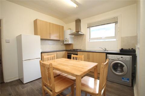 3 bedroom house - Nutwell Street, London, SW17