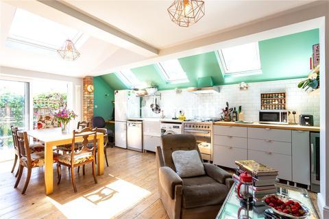 2 bedroom flat for sale - Harringay Gardens, London, N8