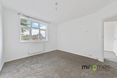 3 bedroom apartment to rent - Woodside Road, Wood Green