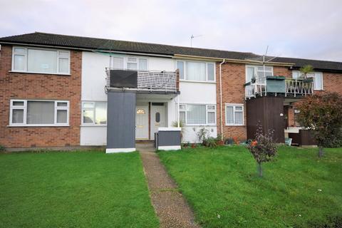 2 bedroom flat to rent - Cherrydown Walk, Romford