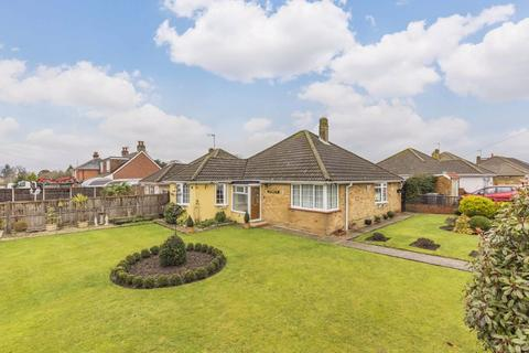 3 bedroom detached bungalow for sale - Padnell Road, Cowplain