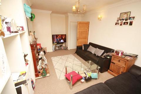 2 bedroom flat for sale - New Pond Parade, West End Road, Ruislip, Middlesex, HA4 6LR