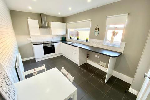 2 bedroom terraced house for sale - Wenault Court, Abernant, Aberdare, CF44 0RU