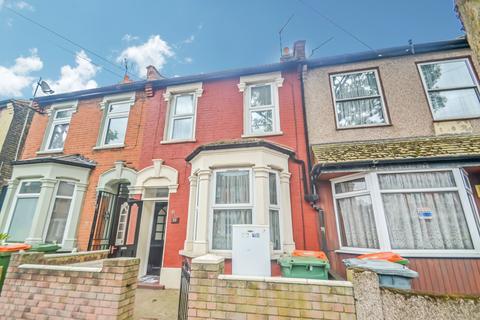 3 bedroom house to rent - Blenheim Road, London, E6