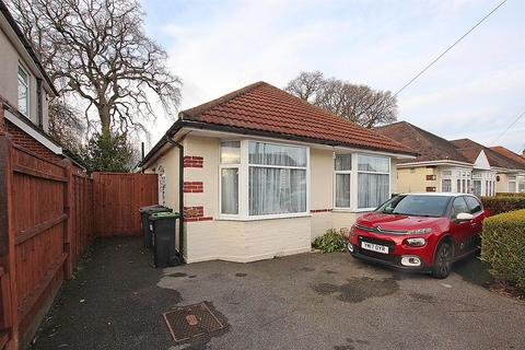 3 bedroom detached bungalow for sale - Weymans Avenue, Bournemouth