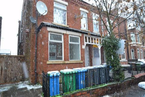 Studio to rent - 82 Clarendon Road, Whalley Range