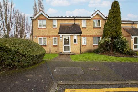 1 bedroom flat to rent - Waddington Close, Enfield