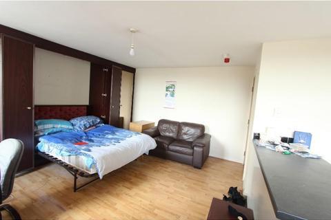 Studio to rent - Flat 10, 2 Moorgate Avenue, Crookesmoor