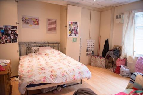1 bedroom property to rent - Flat 3, 256 Crookesmoor Road