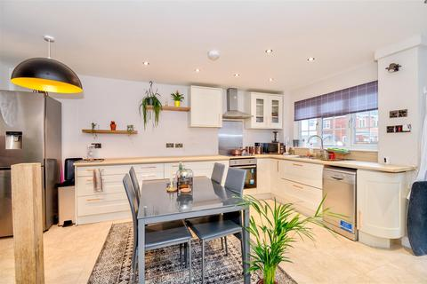 2 bedroom house for sale - Mark Close, Southampton, SO15