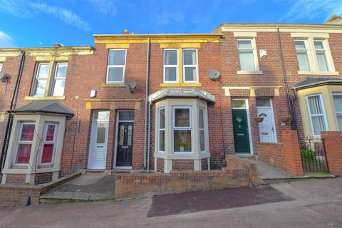 3 bedroom flat to rent - Faraday Grove, Gateshead