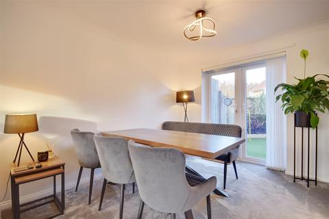 3 bedroom semi-detached house for sale - Hamilton Court, North Haven, Sunderland