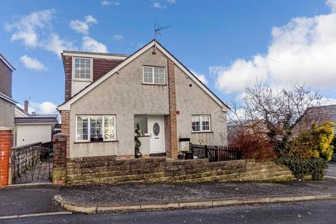 4 bedroom detached bungalow for sale - Chantal Avenue, Pen-y-fai, Bridgend . CF31 4NW