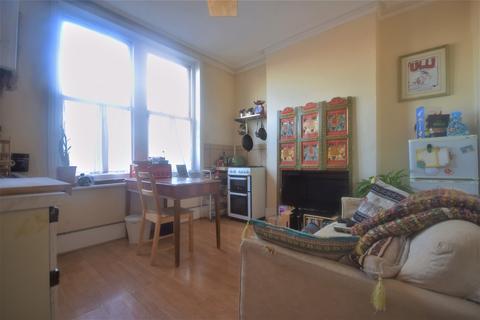 1 bedroom flat - Whiteley Road, Upper Norwood, SE19