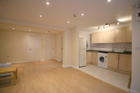 2 bedroom flat to rent - Wallwood Road, London, E11