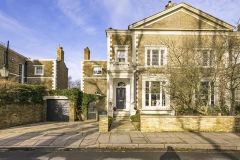 7 bedroom semi-detached house for sale - Pembroke Villas, The Green