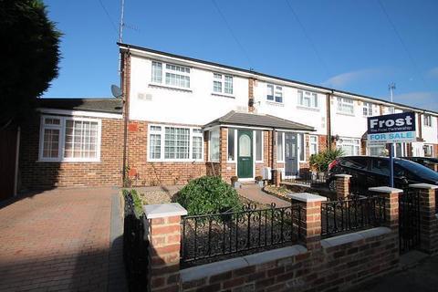 4 bedroom end of terrace house for sale - Benen-Stock Road, Stanwell Moor, TW19